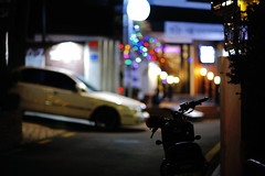 2247/1953 (june1777) Tags: snap street seoul shinchon night light canon eos 5d ef 85mm f12 ii 1600 clear bokeh dof