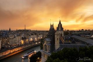 Quai des Grands Augustins, Paris