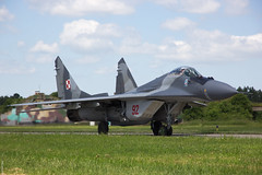Polish Air Force MiG-29A 92 taxiing out at Malbork AB (Jeroen.B) Tags: 2017 29 airbase fighter malbork mig29 poland polen aircraft jet mikoyangurevich mig29a mig 92 29605263923907 polish air force siły powietrzne