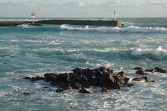 L'entrée du port de Saint-Gilles (philippeguillot21) Tags: port saintgilles réunion saintpaul france outremer indianocean africa vague pixelistes nikon