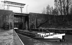 Écluse du Grand Large (musette thierry) Tags: grandlarge péronnes musette thierry d800 nikon confluent nymi blaton lescaut belgique belgium fleuve canal bateau peniche board ascenseur porte