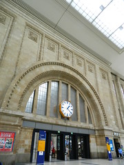 160624 LeipzigConcourse (63) (Transrail) Tags: station railway train concourse platform leipzighbf leipzig deutschebahn roof arch stone gallery