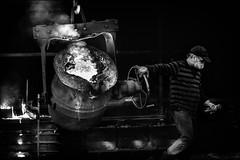 Fusion.../ Melting.. (vedebe) Tags: noiretblanc netb nb bw monochrome homme humain human feu travail usine fonderie france