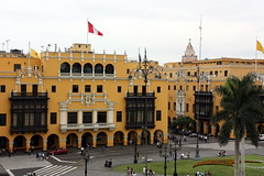 Lima (mbphillips) Tags: plazamayor mbphillips sigma1835mmf18dchsm canon450d 秘魯 南美洲 페루 남아메리카 ペルー 南アメリカ sudamérica américadelsur perú 秘鲁 peru southamerica geotagged photojournalism photojournalist lima capital 首都 수도