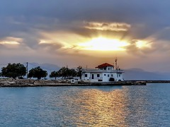 A crown of sun & clouds! (Christos Andreou) Tags: isthmusofcorinth posidonia bridgeofposidonia loutraki corinthia greece mediterranean flickr ngc vivid travel bicycle spring holidaysingreece goldenlandscape goldensunset goldenhour orange oranje hdr photoshop myfavouritephoto spectacularphotos beautifulworld greekphotographers samsungnote8 samsungmobilephotos opticalzoomphotos coloursoftheworld greekcoastline swimminganddiving naturalbeauty greeksunset magnificentsunset oldbuildings hdrfilter landscapesoftheworld peacefullandscape landscapes relaxing serenity melancholy