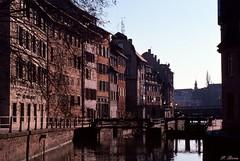 Les quais de l'Ill à Strasbourg (Philippe_28) Tags: strasbourg alsace basrhin 67 france europe 24x36 argentique analogue camera photography film 135