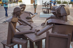 Iron Domino - Cartagena, Colombia (hugoatello11) Tags: antique spontaneous plaza domino history statue