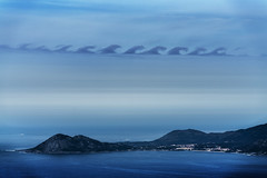 Nubes de Kelvin-Helmholtz / Kelvin-Helmholtz Clouds (Feans) Tags: kelvin helmholtz instability cirrus nubes clouds monte louro muros galiza galicia sony a7r ii fe 100400 gm