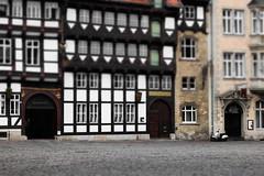 Das Veltheimsche Haus (michael_hamburg69) Tags: fachwerk halftimber halftimbered veltheimscheshaus dasveltheimschehaus fachwerkhaus motorroller