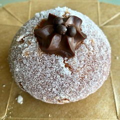 chocolate brioche from Jane the Bakery (Fuzzy Traveler) Tags: chocolate brioche donut pastry dessert chocolatebrioche janethebakery bakery sweets sugar