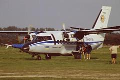 Men can multi-task (crusader752) Tags: universalavia let l410 turbolet ur67439 headcorn kent parachutists paradrop