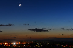Evening planets & earthshine 🌒 (explored 21/03/2018) (Gwenael B) Tags: planets venus mercury lune moon earthshine waxingmoon astro astronomy astrophotography astrophoto night twilight