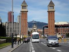 CATALUNYA, BARCELONA (poncar03) Tags: catalunya barcelona avenidamariacristina collserola plaçaespanya tibidabo neu primerdiadeprimavera plazaespaña nieve