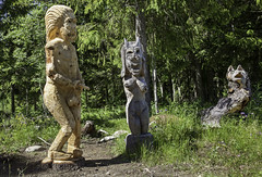 Funny woodcraft sculptures (Burminordlicht) Tags: figures wood carving woodcraft figuren holzfiguren skulpturen sculpures holzskulptur funny curious kurios holz holzkunst wooden art woodart wald schnitzerei woodcarving trekonst kunst kunstobjekt figure sculpture