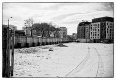 (yoannpupat) Tags: streetphotography bw filmisnotdead ishootfilm urbanlandscape neige snow lyon konicaautos3 analog argentique film 35mm fomapan400