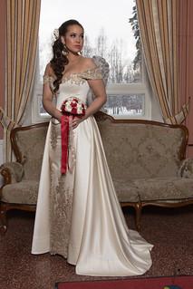 Minni's wedding dress