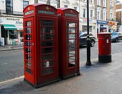 London (Joan Amigó) Tags: cabina telefono vermell rojo red bustia buzón london londres calle carrer cabinatelefonica