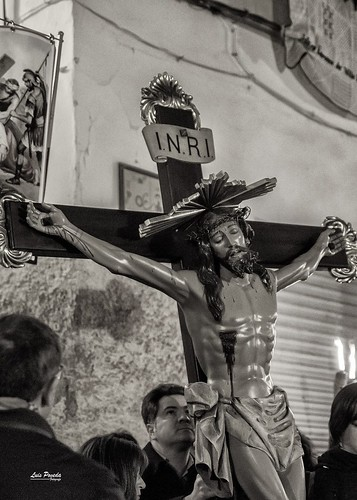 """(2018-03-23) - IX Vía Crucis nocturno - Luis Poveda Galiano (08) • <a style=""""font-size:0.8em;"""" href=""""http://www.flickr.com/photos/139250327@N06/26175430307/"""" target=""""_blank"""">View on Flickr</a>"""