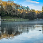 The sun sets over Shearwater Lake at Crockerton in Wiltshire thumbnail