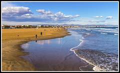 Paseando por Valencia (edomingo) Tags: edomingo olympusepl3 mzuiko1442 valencia playamalvarrosa mar