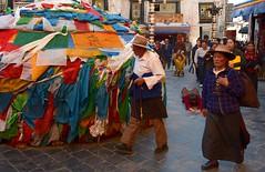 Barkhor Street, Tibet 2017 (reurinkjan) Tags: tibetབོད བོད་ལྗོངས། 2017 ༢༠༡༧་ ©janreurink tibetanplateauབོད་མཐོ་སྒང་bötogang tibetautonomousregion tar ütsang lhasa barkhorstreet tibetanབོད་པböpa sunriseཉི་ཤར།nyishar sunisrisingཉི་མ་འཆརnyimanchar tibetanpeopleབོད་མིbömi བོད་འབངསbömbang thewildfolksoftibetབོད་སྲིནbösin tibetanpeopleབོད་རིགསbörik fullbodyprostration pilgrimགནས་བསྐོར་བ་nekorwaསྐོར་མིkormi pilgrimageགནས་བསྐོརnekor onpilgrimageགནས་སྐོར་པnekorpa greatsacredplaceགནས་ཆེནnechen faceགདོང་པ་dongpa གདོང༌dong གདོང་ཁdongkha portrait portraiture facecolorགདོང་མདོགdongdok portrayal picture photograph likeness