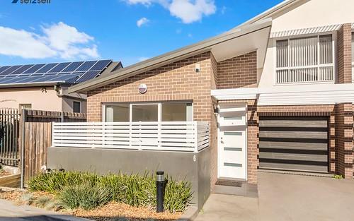 6/54B Binalong Road, Toongabbie NSW