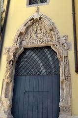 Hidden Cathedral Entrance [Udine - 21 April 2018] (Doc. Ing.) Tags: 2018 udine ud friuli fvg friuliveneziagiulia nordest italy door portal doorway stonework dwwg oldnewwindowsdoors