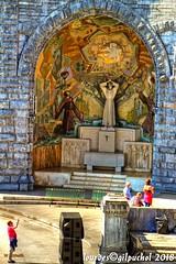 Lourdes 046-A-7 (José María Gil Puchol) Tags: aquitaine basilique catholique cathédrale eau eaumiraculeuse fidèle france josémariagilpuchol lourdes paysbasque pélèrinage religion
