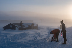 Water for the thermos (hanschristian_nielsen) Tags: norge skiferie hyttetilhytte cabintocabin finse norway winter snow mist sunrise morning people mountain house
