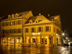 Ludwigsburg bei Nacht (jomobil) Tags: landmark night city yellow town en ludwigsburg badenwürttemberg deutschland de
