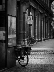 dimanche matin... (objet introuvable) Tags: blackandwhite bw noiretblanc nb street streetview urbanlife ville town vélo bicycle monochrome