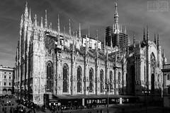 il Duomo di Milano (massimo mazzoni 78) Tags: milano cattedrale cathedral duomo piazzaduomo italia italy bnw bw bn blackandwhite monochrome