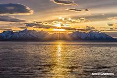 Guten Morgen Deutschland... Dieses Wochenende wird ja wieder an der Uhr gedreht. Macht euch trotzdem ein paar schöne Stunden - auch wenn eine fehlt :) (Bild: Blick auf die Lofoten von Bord der Hurtigruten)  #nordlandblog #norge #lofoten #norway #norwegen (Nordlandblog) Tags: nordlandblog norwegen roadtrip norway norge skandinavien scandinavia