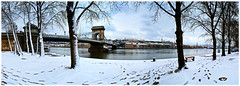 Lost kisses died in winter (laluzdivinadetusojos) Tags: danube duna hungary budapest winter snow