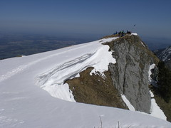 The Mighty Cornice (bookhouse boy) Tags: 2018 8april2018 berge mountains alpen alps chiemgaueralpen chiemgau unterwössen hochgern moaralm agergschwendalm hochgernhaus schnee snow