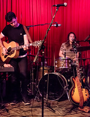 Coffee Shop Arena Rock 04/07/2018 #15 (jus10h) Tags: coffeeshoparenarock curtispeoples hotelcafe losangeles hollywood california live music concert gig event residency show performance showcase coffeeshop arenarock 80s 90s covers songs singers nikon d610 lowlight photography 2018 april justinhiguchi