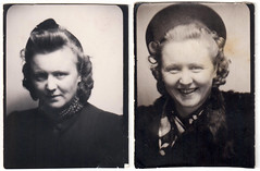 A Woman goes to the Photo Booth (Fremdwortlexikon) Tags: blackandwhite schwarzweis vintage foundphoto monochrome photobooth hat curls woman frau smile portrait porträt