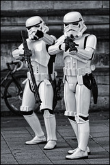 UK - Oxford - Comic Con 2018 - Stormtroopers 01_mono_DSC1275 (Darrell Godliman) Tags: ukoxfordcomiccon2018stormtroopers01monodsc1275 501stukgarrison ukgarrison stormtrooper starwars oxfordcomiccon oxcon2018 oxford bw blackandwhite monochrome mono stormtroopers scifi sciencefiction cosplay cosplayer costume examinationschools oxfordshire oxon ©dgodliman darrellgodliman wwwdgphotoscouk dgphotos allrightsreserved copyright travel tourism europe eu britishisles unitedkingdom uk greatbritain gb britain england omot flickrelite instantfave nikond7200 nikon d7200