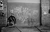 PIC_0018_01 (mujetdebois) Tags: canonrebel2000 film 35mm ilfordfp4125 analogphotography biancoenero blackandwhitephotography filmisnotdead filmlives filmphotography istillshootfilm monochrome negroyblanco nighphotography noirblanc schwarzundweis streetphotography streetportrait черноеибелое graffiti streetart