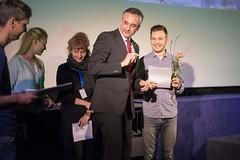 Der Kurzfilmpreis der Stadt Regensburg geht an ONDES NOIRES von Ismaël Joffroy Chandoutis.