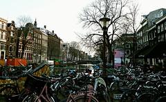 La ciudad de las bicicletas (portalealba) Tags: holanda amsterdam portalealba fuji bici