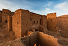 Mimetismo / Mimicry (- Cajón de sastre -) Tags: paisaje landscape marruecos marocco tiselday kasbah fortaleza ocre atardecer sunset piedra nu nikond500 tokinaatx1120mmf28prodx autoretrato selfportrait