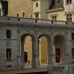 Portique de style Renaissance (1859-1864), château royal, Pau, Béarn, Pyrénées Atlantiques, Aquitaine, France. thumbnail