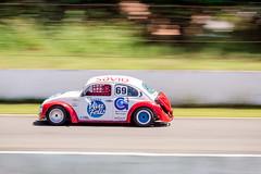 Racing (Vinicius_Ldna) Tags: 6734 fusca beetle vw speed race racetrack corrida circuito autodromo pista racing panning paning velocidade canon t3i 70200 londrina pr brazil