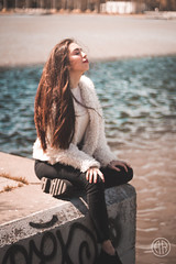 (alexrf96) Tags: alexrf96 aleruiz alexruiz alejandroruiz alejandroruizfernándezdeangulo photo photograph foto fotografía canon canonista picoftheday sevilla seville andalucía andalusia españa spain robado stolen retratorobado stolenportrait mujer chica woman girl model modelo río river guadalquivir ríoguadalquivir guadalquivirriver luz light sun sol moda style fashion