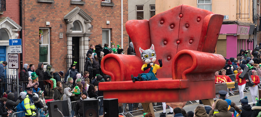 ARTASTIC - TICK TOCK OF THE FAMILY CLOCK [DUBLIN PARADE 17 MARCH 2018]-137702
