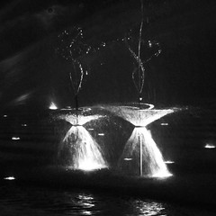 wasserballett / water ballet (nika.vero) Tags: square water bw blackandwhite monochrome art blur blurring light city contrast