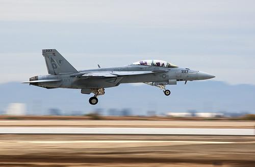VFA-106 F/A-18F 165913
