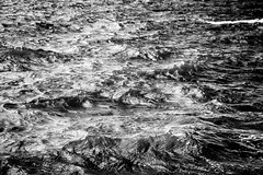 23 mar 2018 - photo a day (slava.connect) Tags: dailyphoto photoaday 365 1day blackandwhite bw monochrome water waves