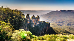 The Three Sisters (Manny Esguerra) Tags: mountains bluemountains landscapes threesisters cherries